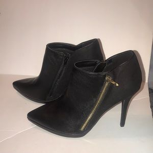 🆕 Limelight Black Bootie Size 11